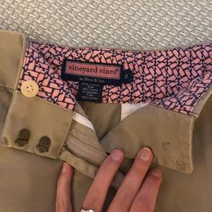 Vineyard Vines khaki skirt